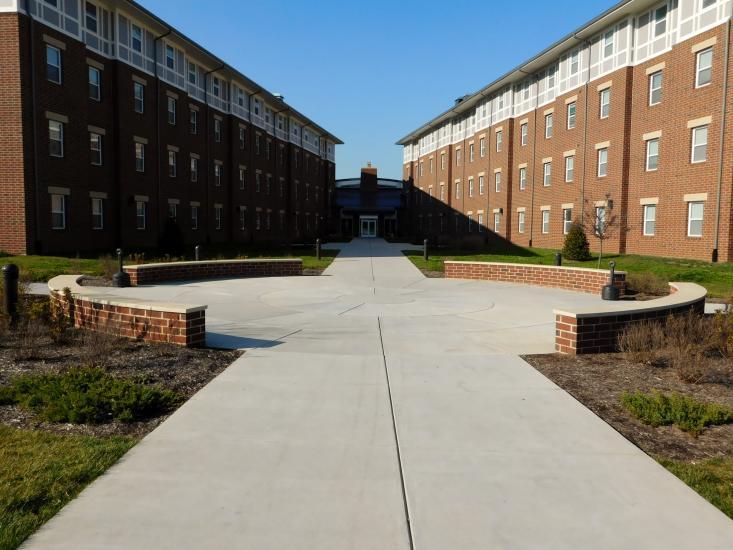 Circle walkway